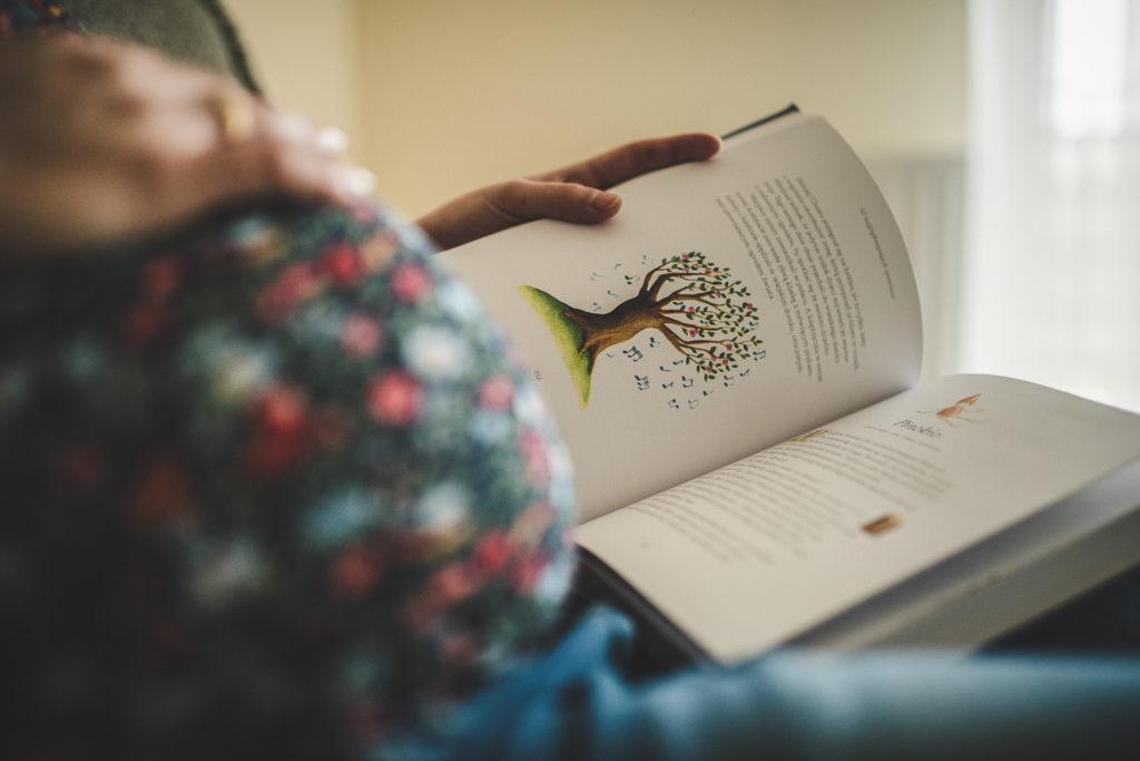 czytanie do brzuszka